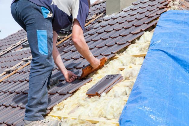 Układanie pokryć dachowych - ekro